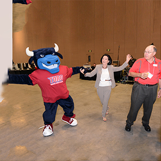 Appleman dancing with Toro